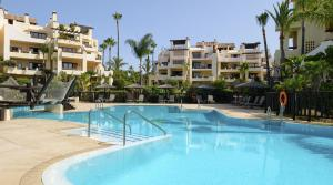 3 bedroom Apartment for sale in New Golden Mile