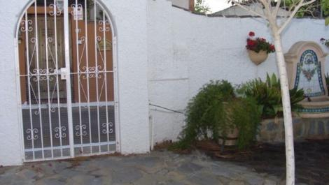 2 bedroom Villa for rent in El Rosario