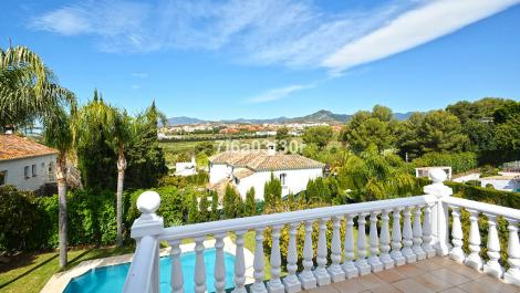 4 bedroom Townhouse for rent in Guadalmina Alta