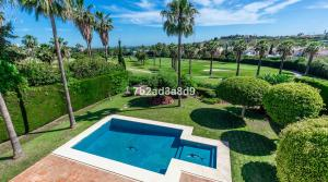 4 bedroom Villa for sale in Nueva Andalucía