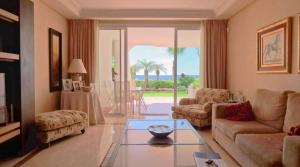 2 bedroom Apartment for sale in Puerto Banús