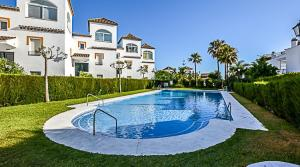 4 bedroom Townhouse for sale in Las Chapas