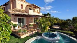 4 bedroom Villa for sale in Las Chapas