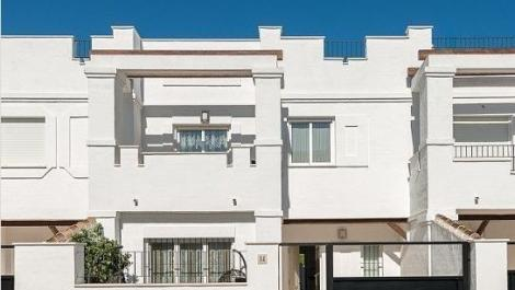 3 bedroom Townhouse for rent in Nueva Andalucía