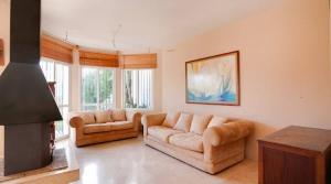 4 bedroom Townhouse for sale in Selwo