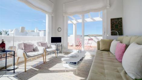 2 bedroom Penthouse for rent in Estepona